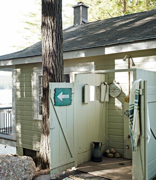 little-house-on-the-lake-garage-doors-0912-xln