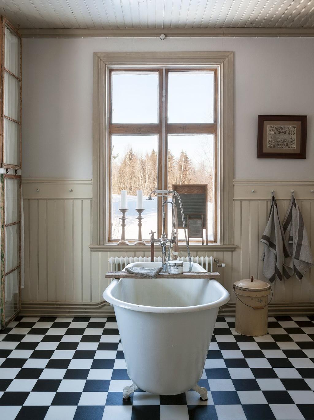 #324964 Детали: винтаж: Nicety 2727 petite salle de bain grand carrelage 1024x1366 px @ aertt.com