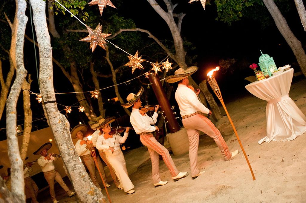 Style Me Pretty Elegant Beach Wedding in Punta Mita, Mexico 21