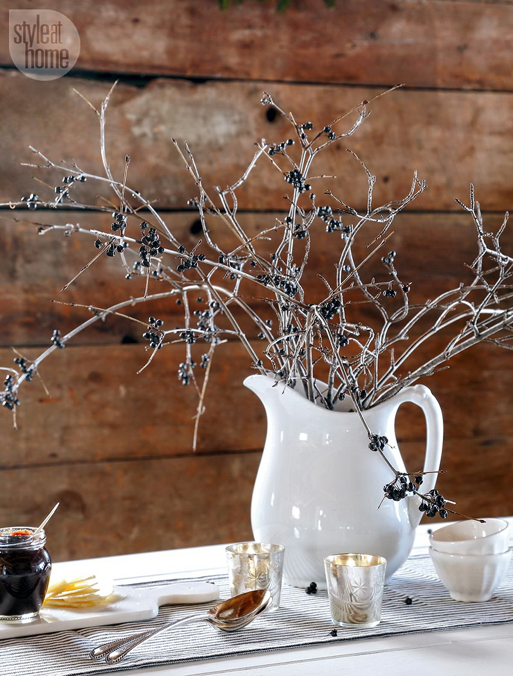 Style At Home Rustic Nordic holiday style 8