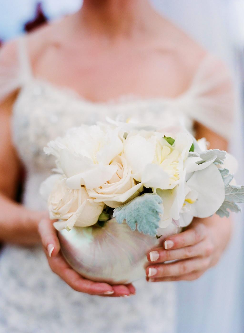 Style-Me-Pretty-TROPICAL-AND-GLAMOROUS-WEDDING-AT-ST.-THOMAS-RITZ-9
