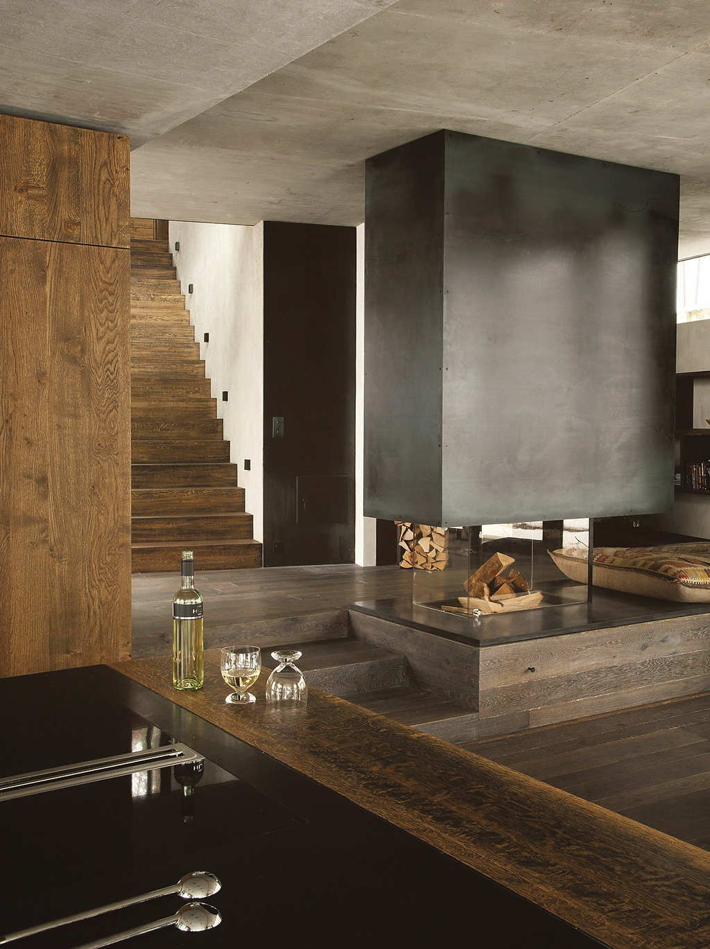 Decordemon a modern chalet in austria for Salon en bois moderne