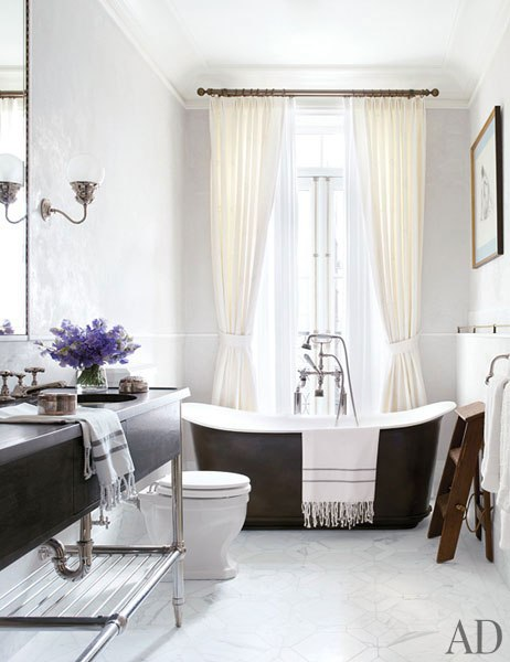 brooke-shields-david-flint-wood-new-york-home-14-master-bath