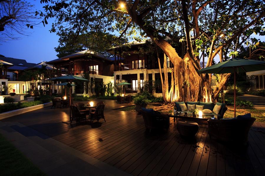 Отель в Тайланде 137 Pillars House 3
