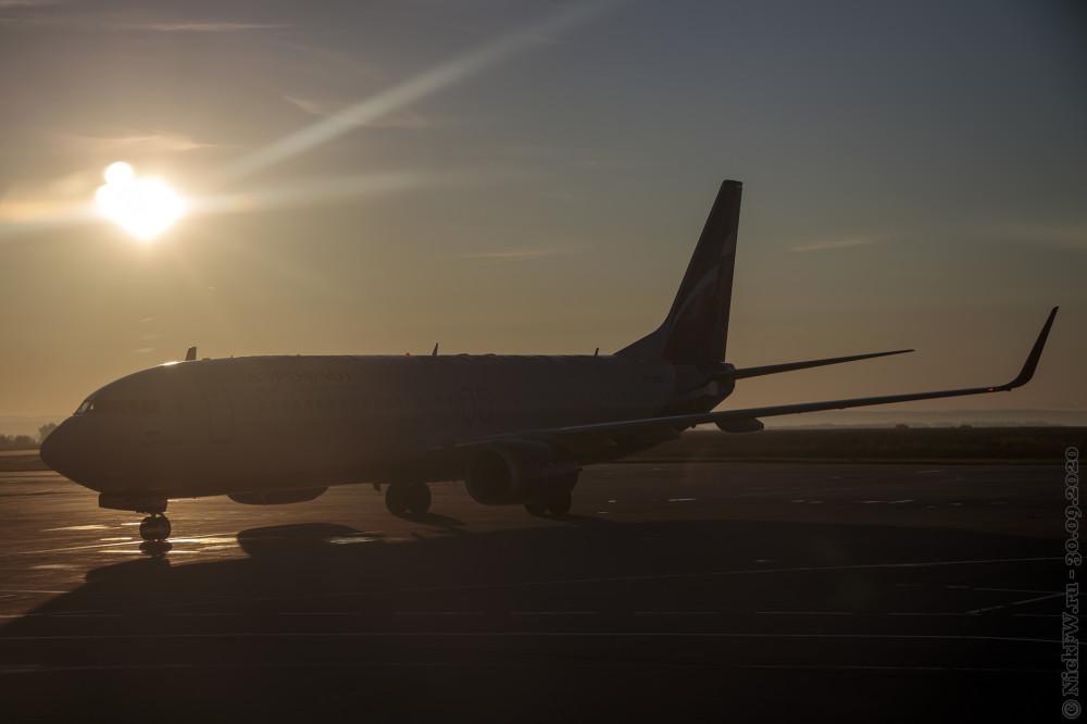 3. Boeing 747-800 - VP-BKN - B. Okudzhava - в лучах рассвета © NickFW.ru - 30.10.2020г.