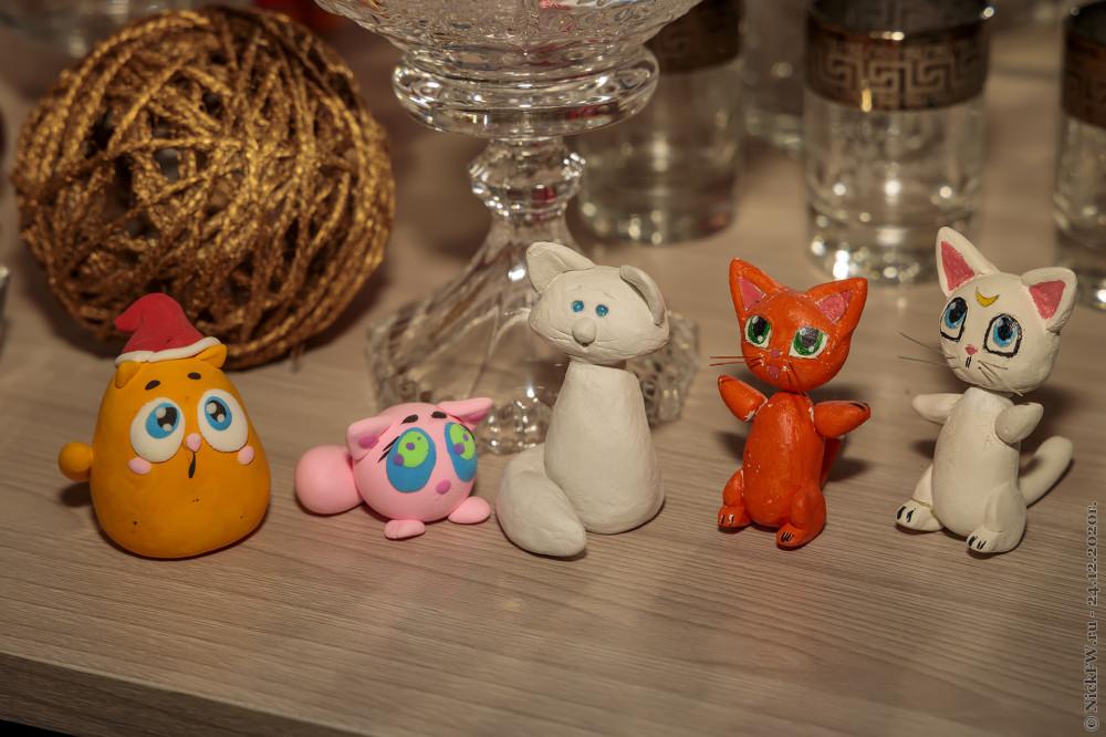 3. Котики в серванте © NickFW.ru - 24.12.2020г.