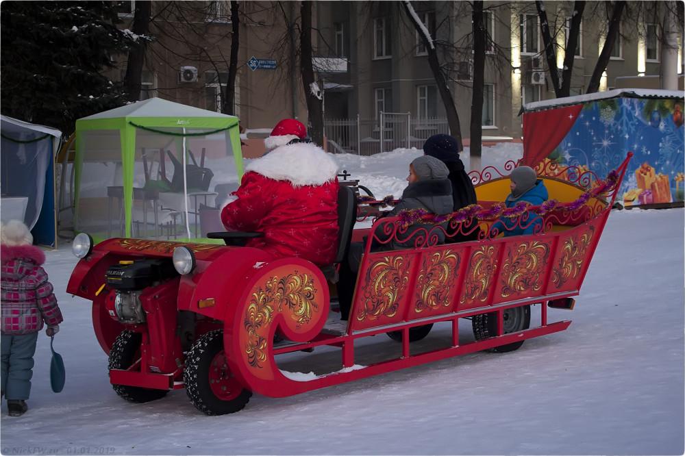 5. Новогодний лимузин © NickFW.ru - 01.01.2019г.