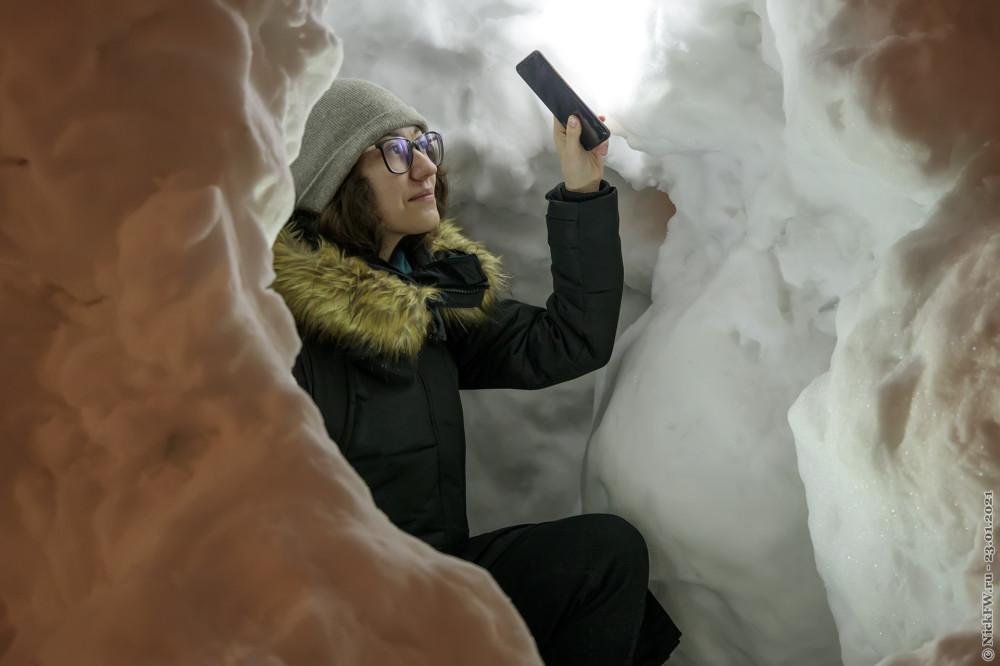 1. Доча в снежной пещере © NickFW.ru — 23.01.2021г.