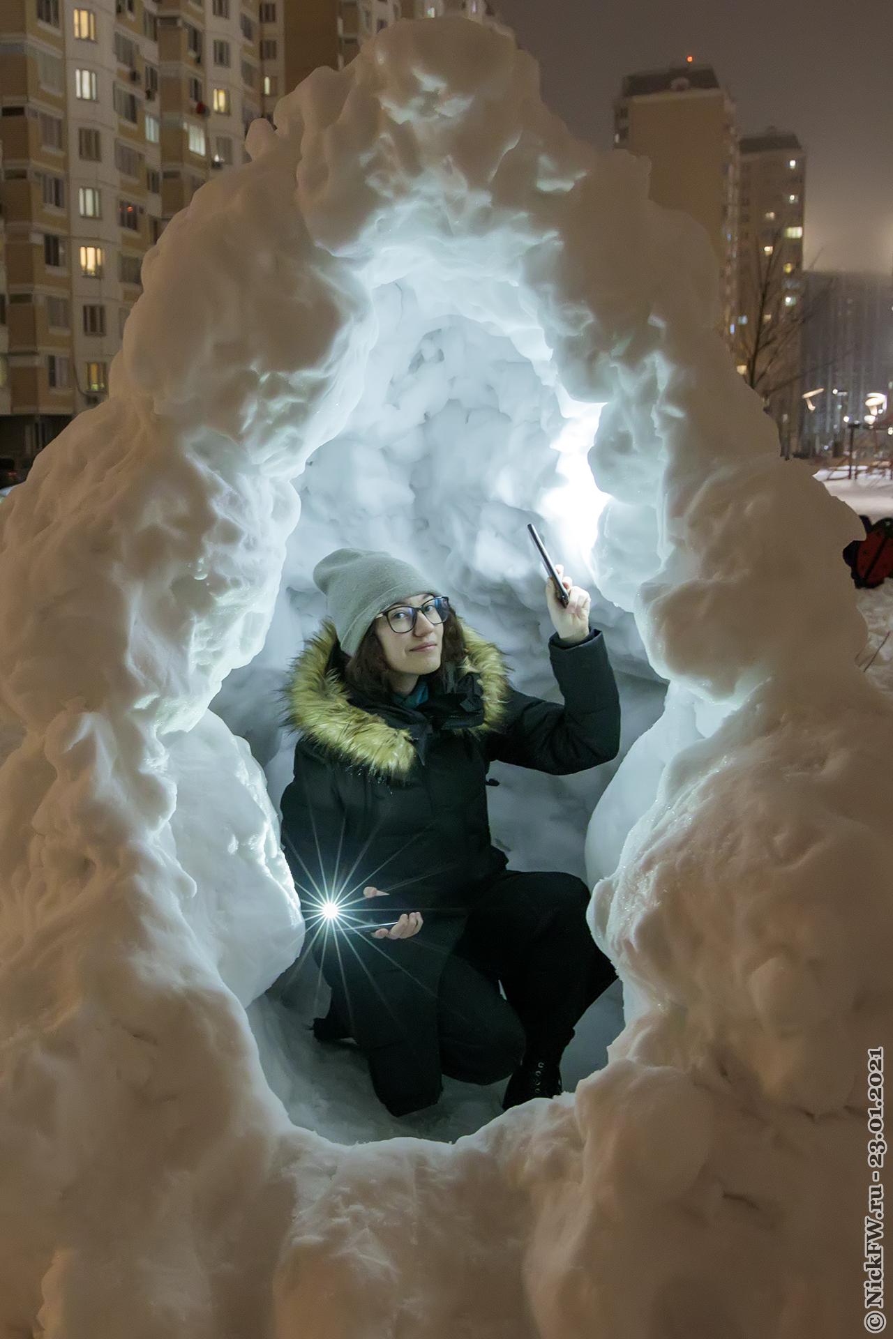 2. Доча в снежной пещере © NickFW.ru — 23.01.2021г.