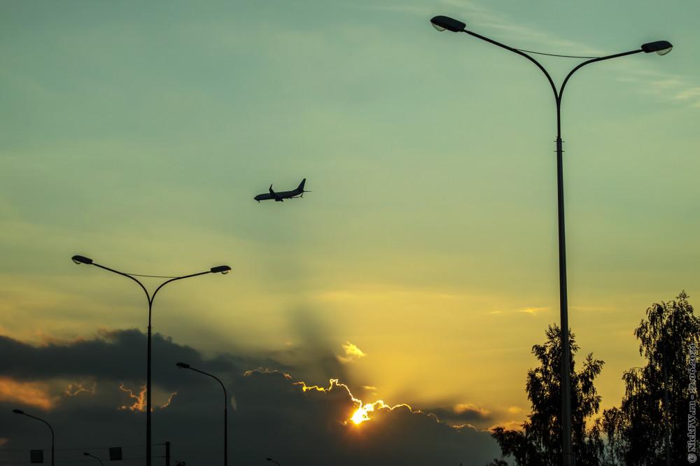 1. Самолёт на закате © NickFW.ru — 12.06.2021г.