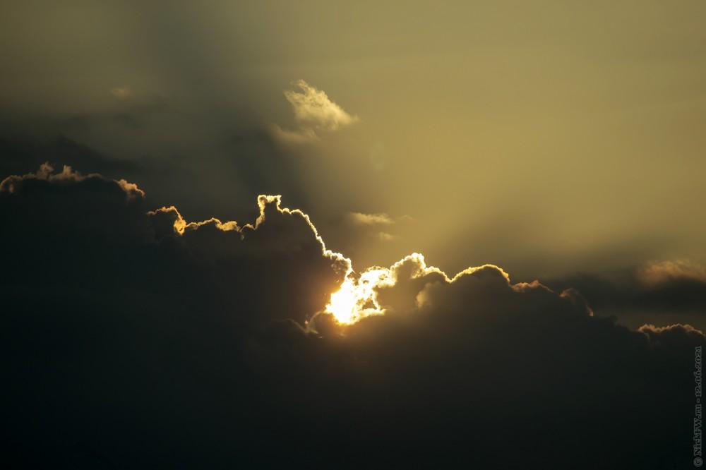 7. Последние закатные лучи © NickFW.ru — 12.06.2021г.