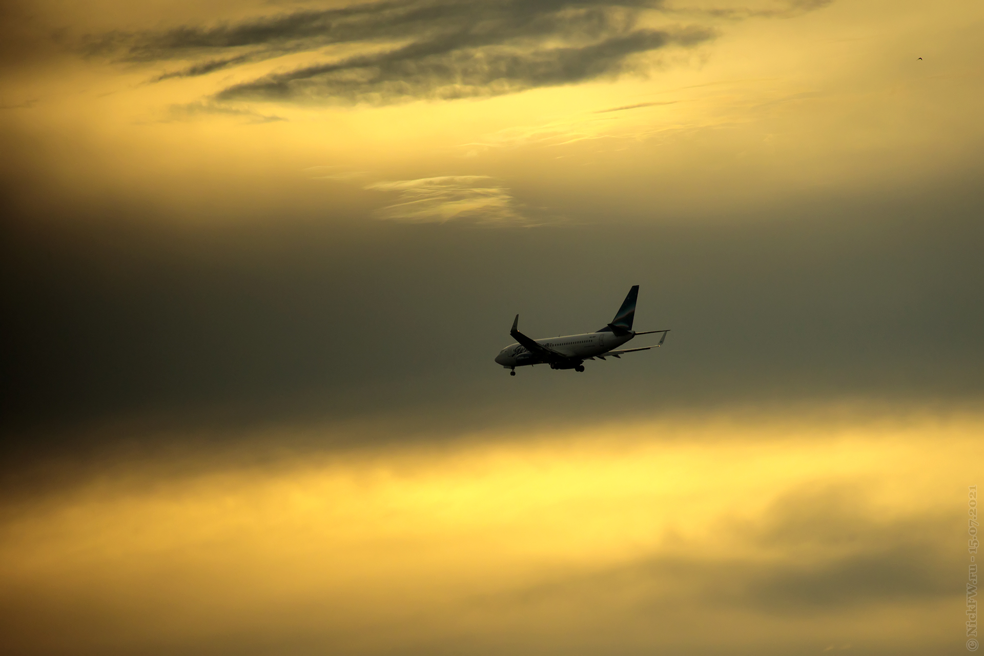 Boeing 737-700 — VQ-BIP © NickFW.ru — 15.07.2021г.