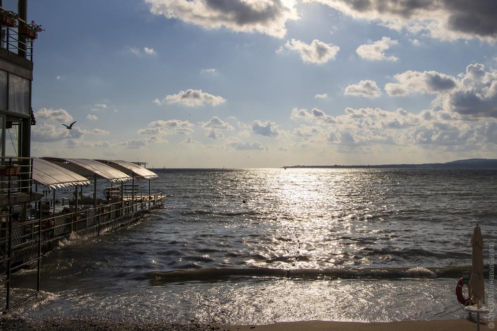 1. Бухта, пляж и ресторан © NickFW.ru — 20.08.2021г.