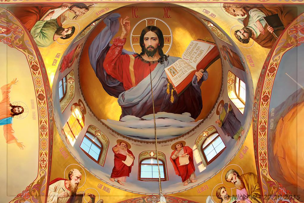 Храм священномученика святителя Вениамина - фрески под куполом [© NickFW - 27.10.2015]