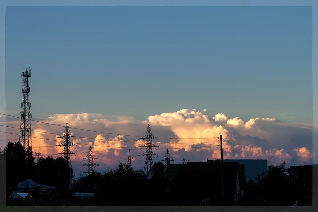 Облака в лучах заката (© NickFW - 22.06.2017)