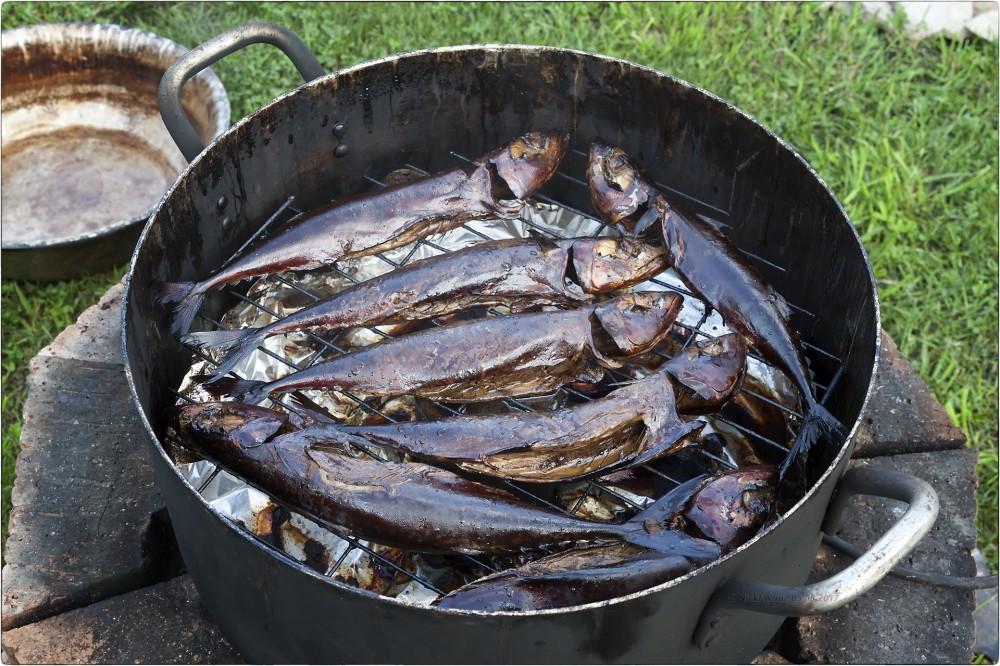 13. Готовая рыба в коптильне [© NickFW.ru - 05.08.2017]