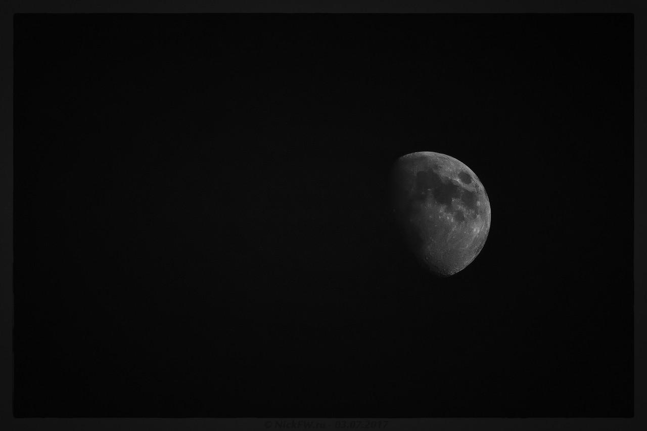 Растущая луна - видимость 72% (© NickFW - 03.07.2017)