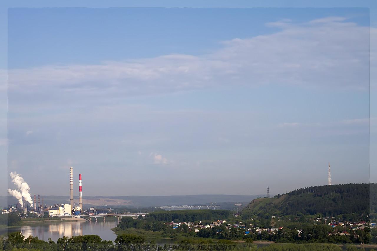 Вид на ГРЭС и деревню Красная (© NickFW - 15.06.2017)
