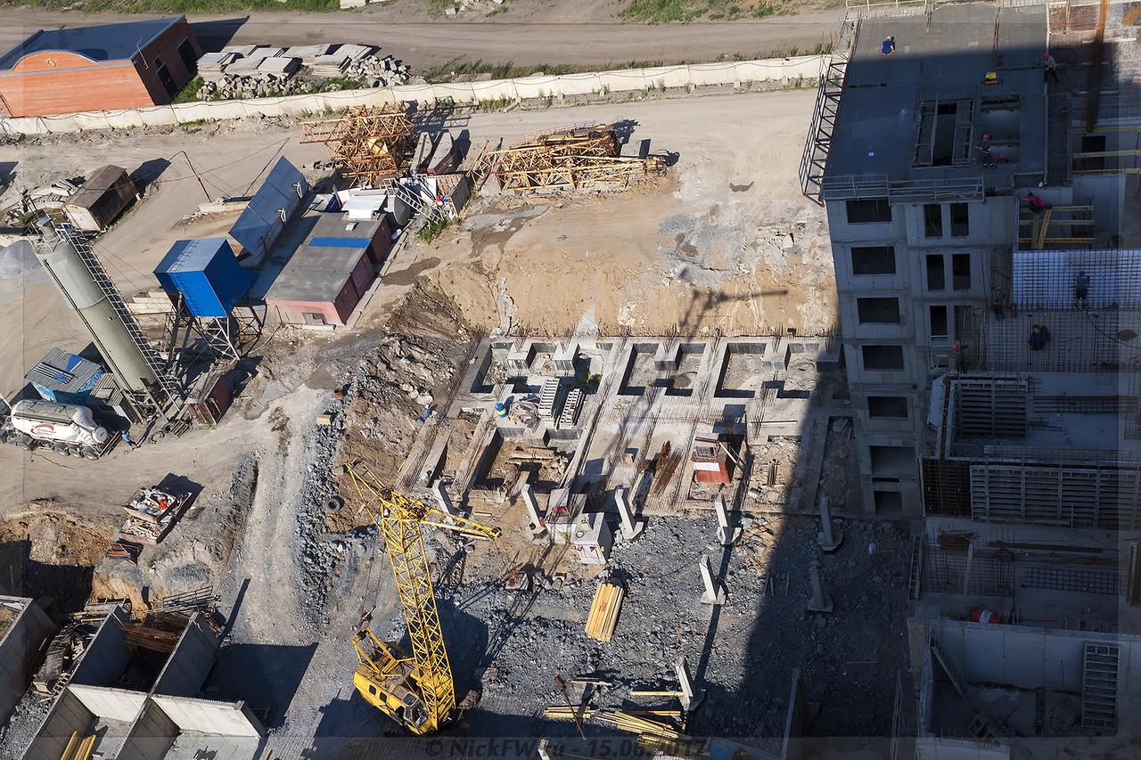 ЖК Притомский дом 5.1 и парковка 5.4.2 (© NickFW - 15.06.2017)