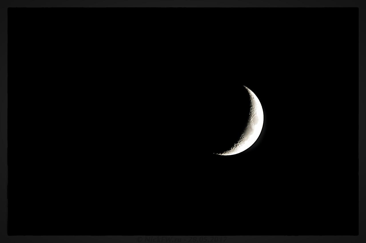 Растущая луна (© NickFW - 29.05.2017)