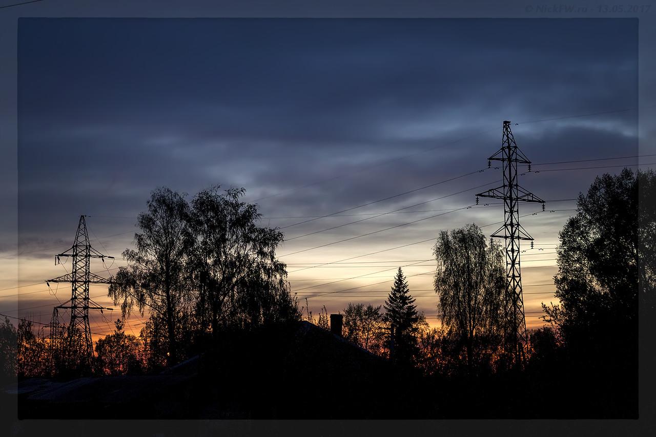 ЛЭП на закате вид от Шахтеров 123 (© NickFW - 13.05.2017)