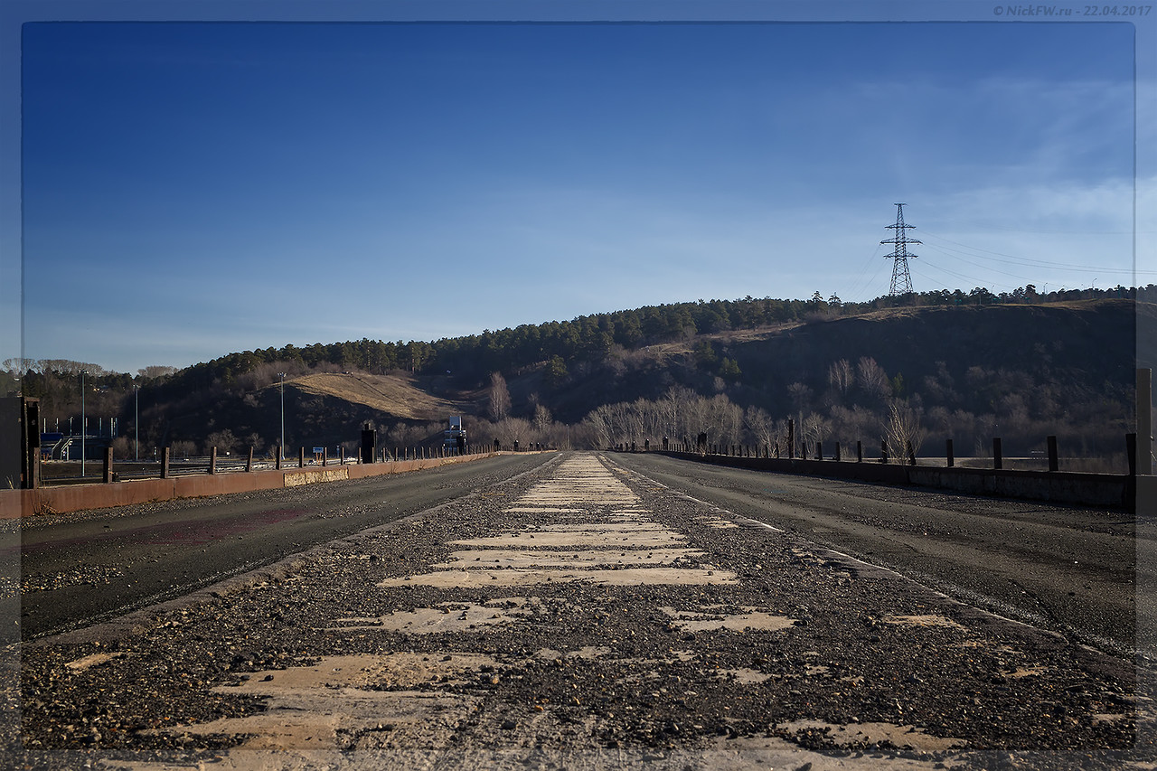 Старый Кузнецкий мост - дорога в никуда (© NickFW - 22.04.2017)