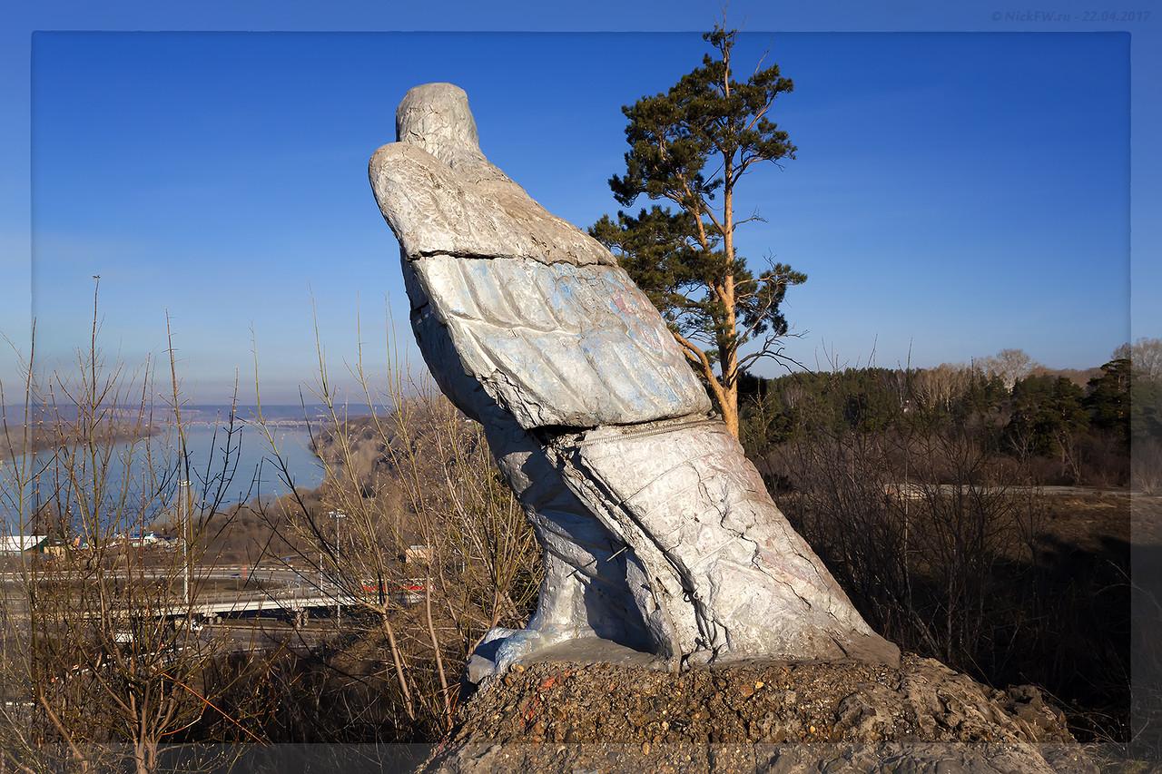 Скульптура Орёл (© NickFW - 22.04.2017)