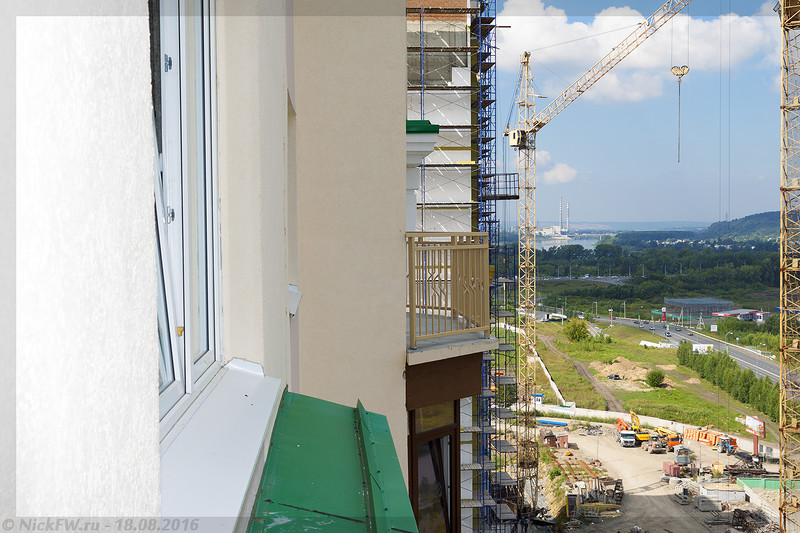 Вид на французкий балкончик (© NickFW - 18.08.2016)