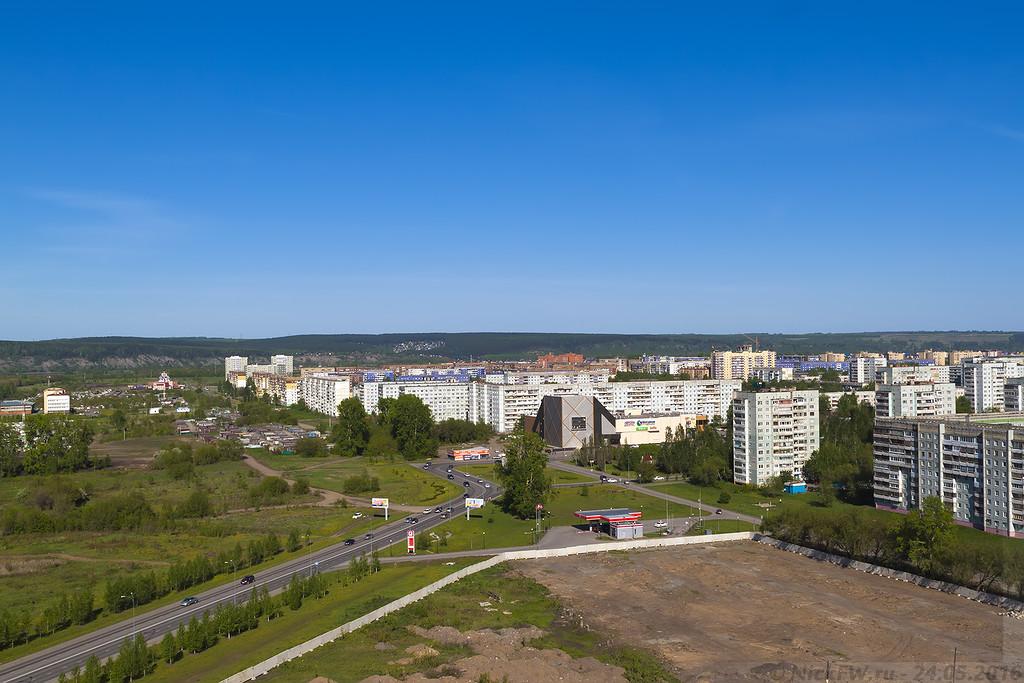 Вид на Аврору с крыши 8.2 (© NickFW - 24.05.2016)