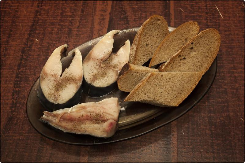 20. Скумбрия с хлебом
