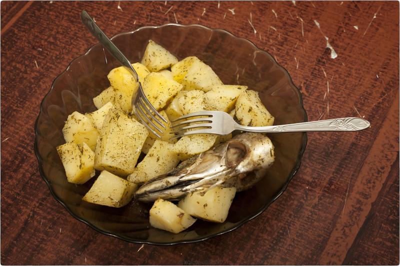 13. Головы скумбрии и картофель на пару [© NickFW.ru - 09.05.2018]