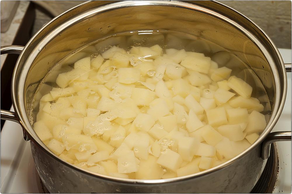3. Сырный суп с грибами и фаршем [© NickFW.ru]