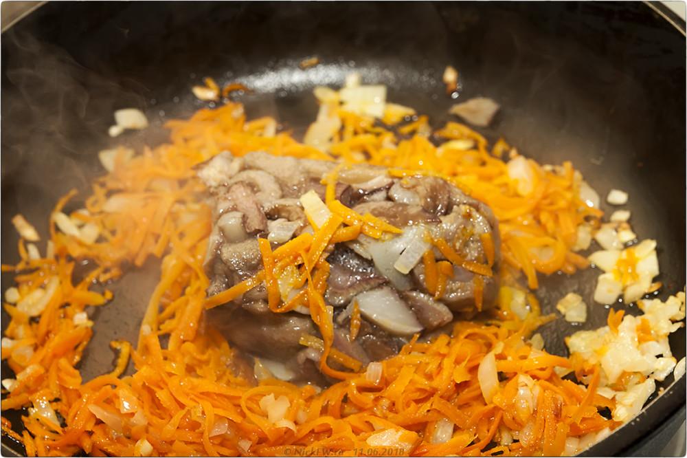 6. Сырный суп с грибами и фаршем [© NickFW.ru]