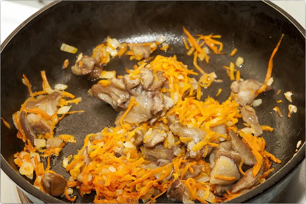 7. Сырный суп с грибами и фаршем [© NickFW.ru]