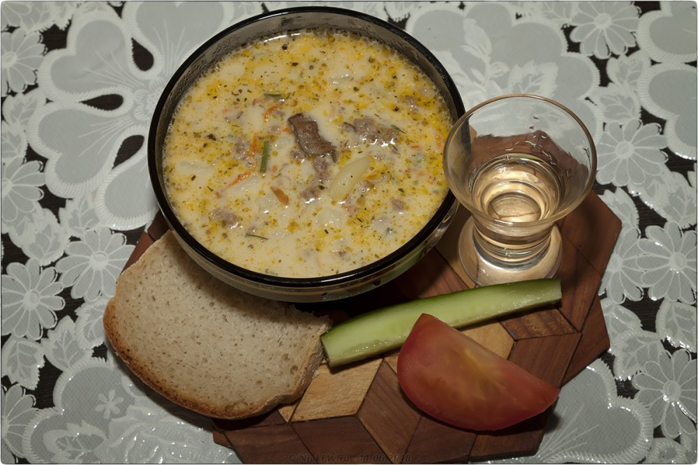 17. Сырный суп с грибами и фаршем [© NickFW.ru]