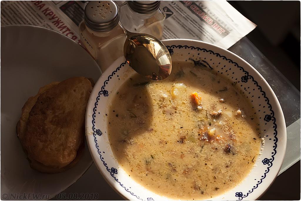1. Сырный суп с фаршем грибами яйцом и молоком - © NickFW.ru