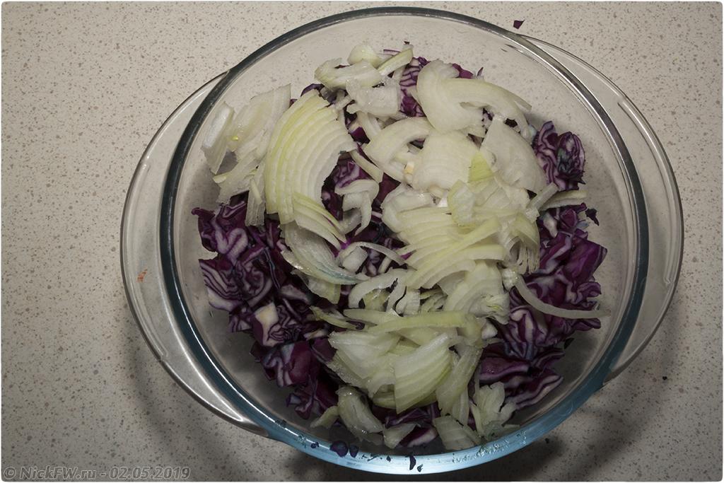 05. салат из краснокочанной капусты с горошком © NickFW.ru