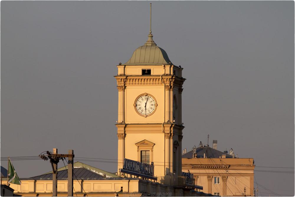 8. Часы на башне Ленинградского вокзала - Москва - © NickFW.ru - 07.09.2019г.