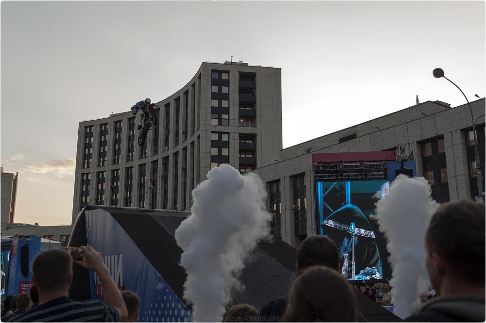 14. Шоу фристайла-мотокросса MadMen - Наши в городе - © NickFW.ru - 07.09.2019