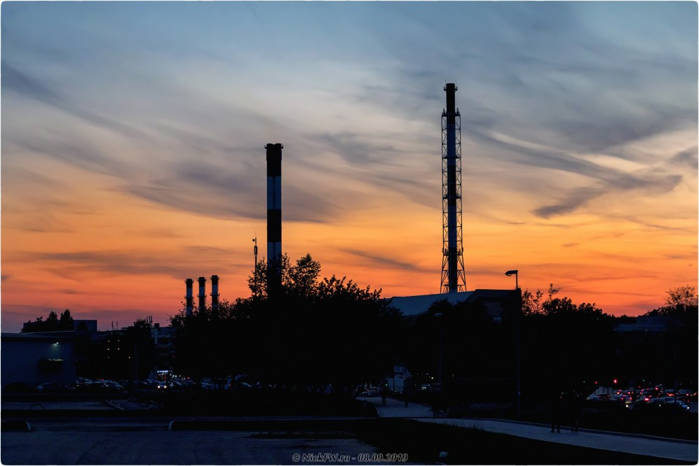 1. Закат над трубами и Боровским шоссе... © NickFW.ru - 08.09.2019г.