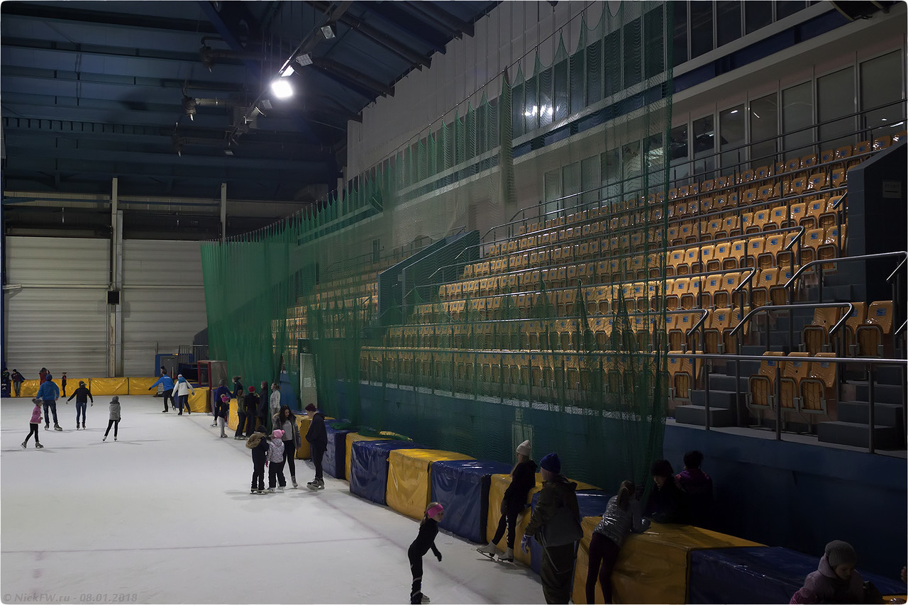 Крытый ледовый модуль стадиона Химик [© NickFW - 08.01.2018]