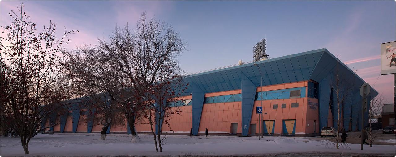 Крытый ледовый модуль стадиона Химик вид с улицы Кирова [© NickFW - 08.01.2018]
