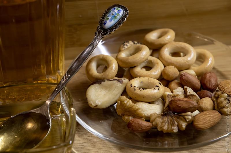 2. Завтрак с мёдом, орехами и сушками © NickFW.ru - 11.09.2020г.