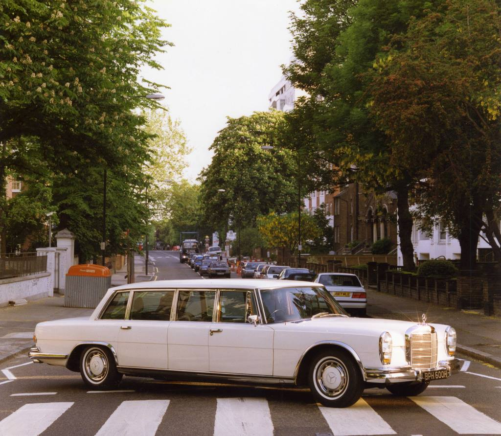 1970 Mercedes-Benz 600 Pullman Limousine 1.jpg