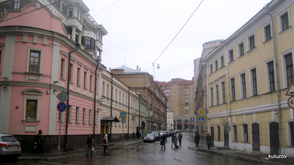 Переулок-Бродников-1