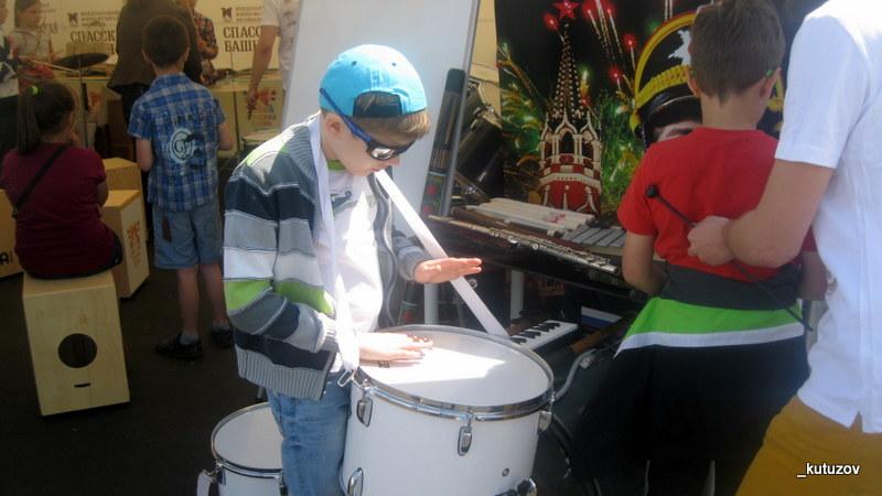 ВВЦ-вася-барабан-1
