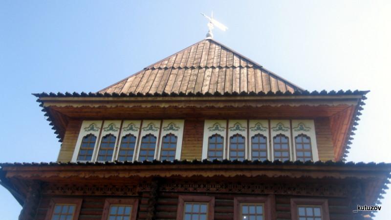Колом-дворец-крыша