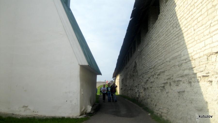 Псков-Кремль-внутри-2