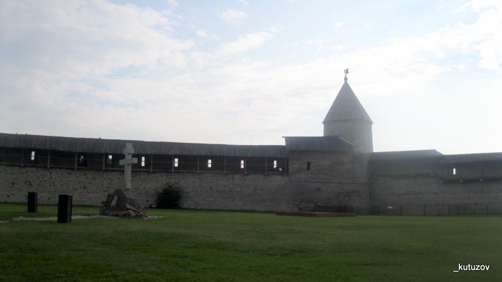 Псков-Кремль-стена-1