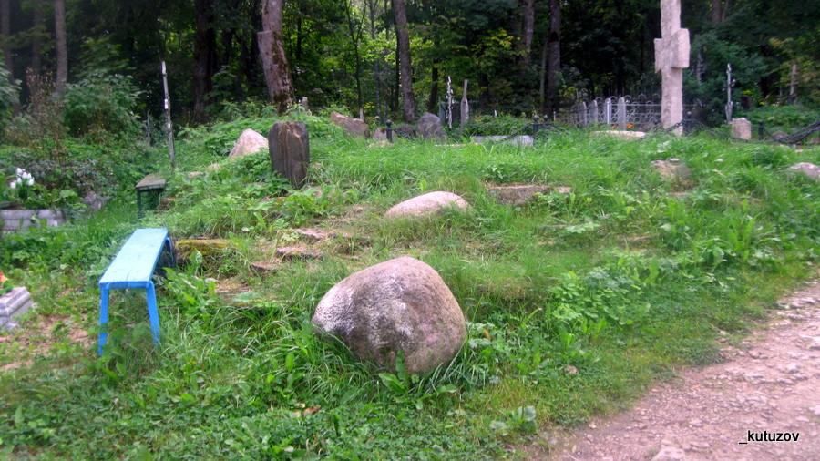 Изборск-могилы